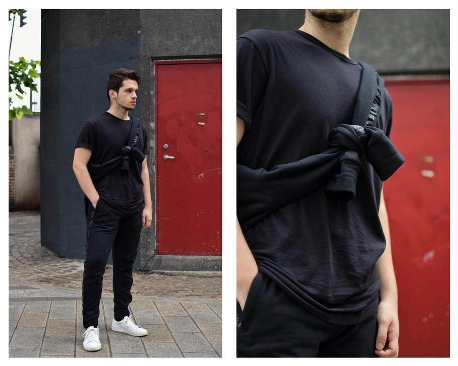 Plain Black t shirt